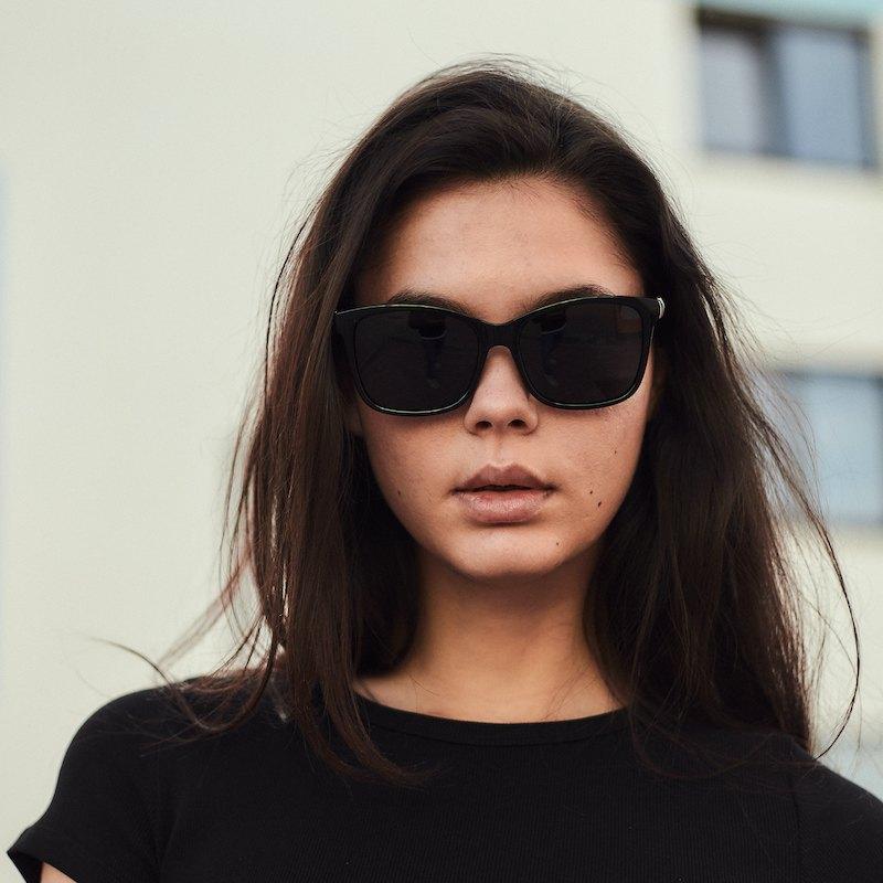 Брендовые женские солнцезащитные очки Сardeo CR003 с поляризацией